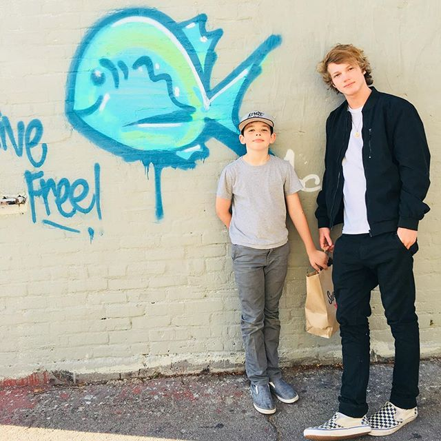 Levi y Chase. #cousinshenanigans
