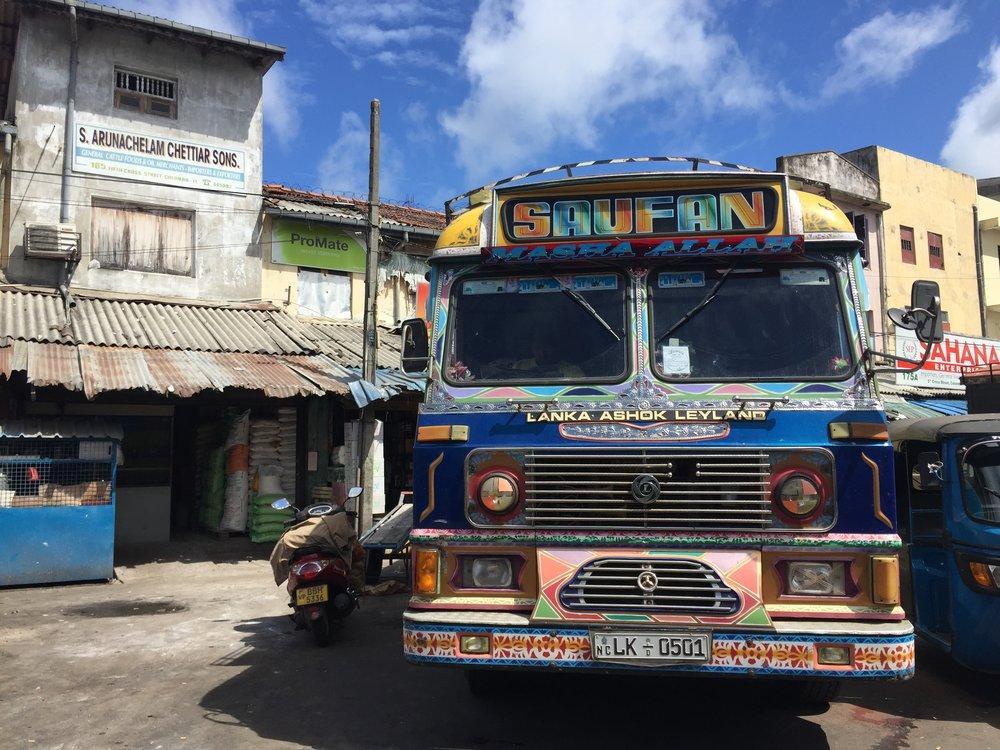 Colombo - Lorry.JPG