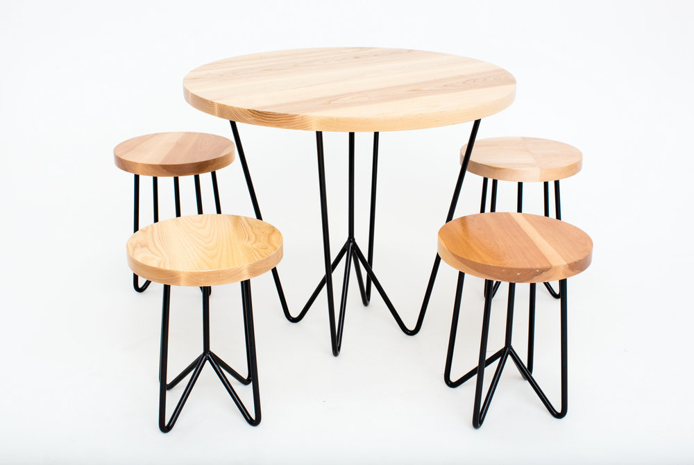 Tables Yeah Rentals - Cafe table and stools