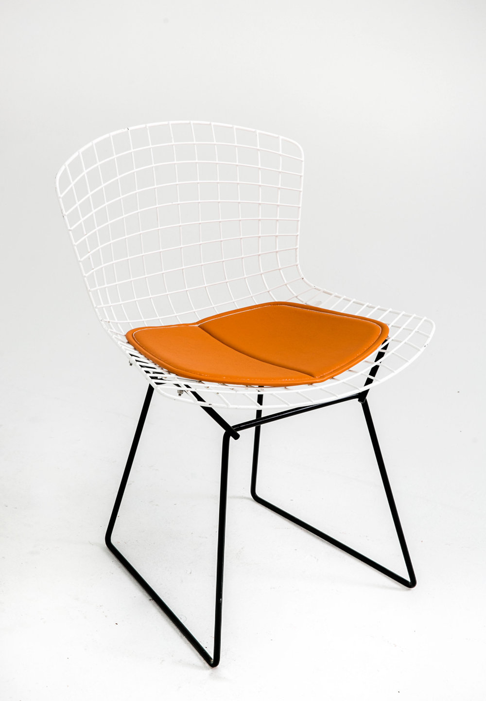 Knoll Bertoia White on Black