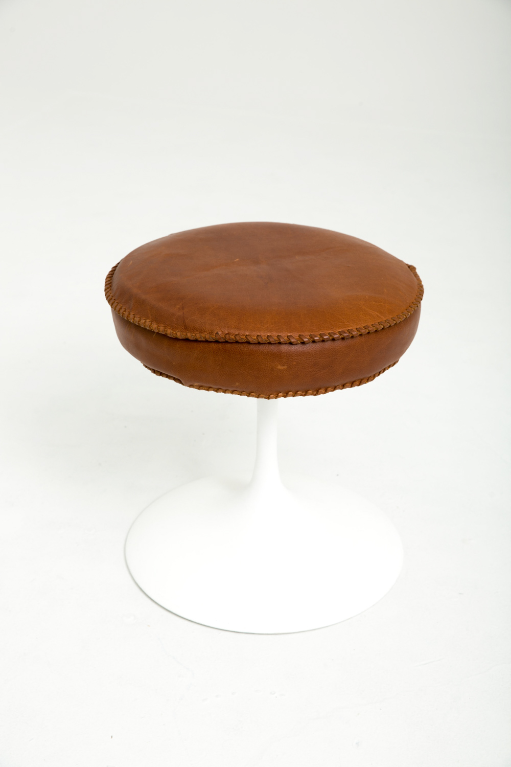Tulip Leather Stool