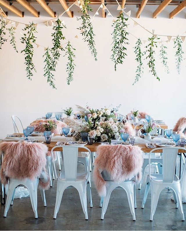 Look at this beautiful baby shower by @sterling_social hosted @festoon_la. What a vision!