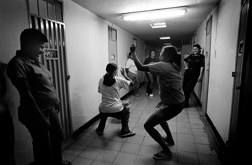 dancing_at_the_bottom_023.jpg