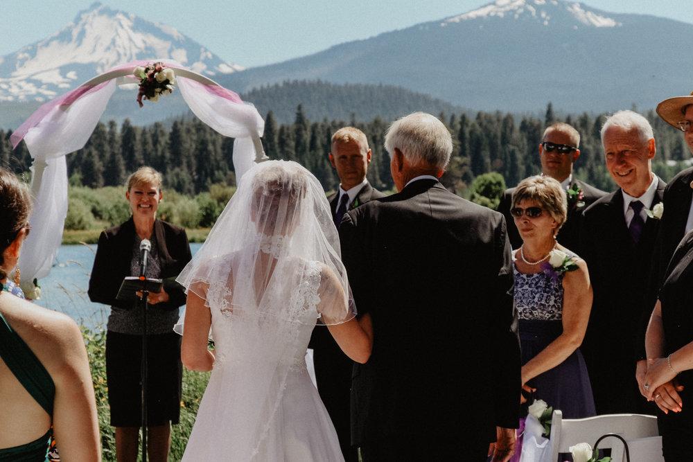 black-butte-ranch-bend-oregon-wedding-photographer-0-40.jpg