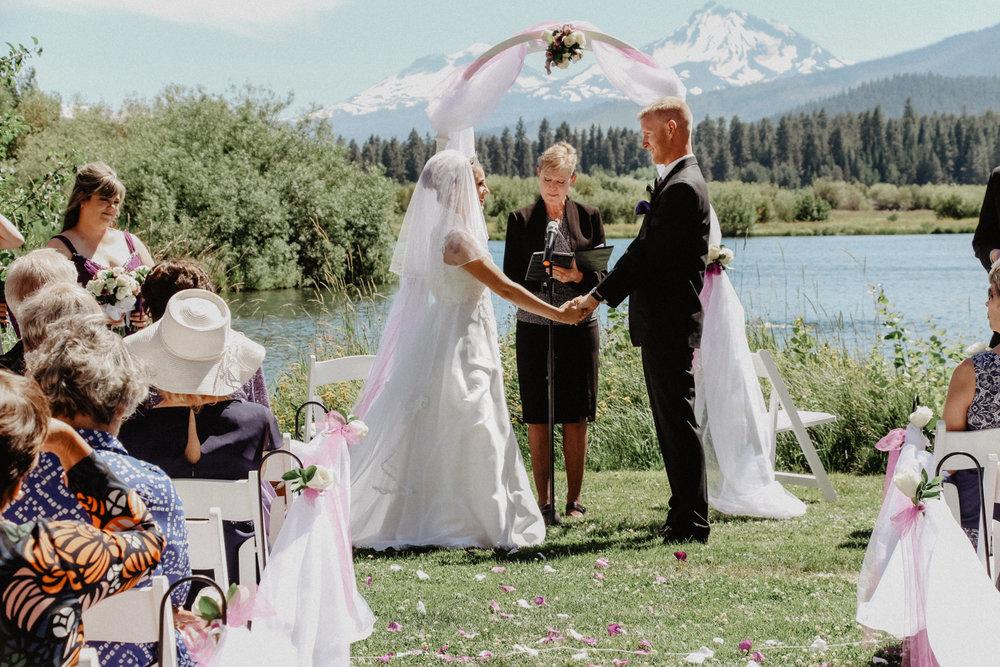 black-butte-ranch-bend-oregon-wedding-photographer-0-43.jpg