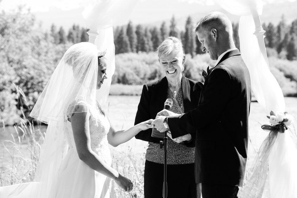 black-butte-ranch-bend-oregon-wedding-photographer-0-45.jpg