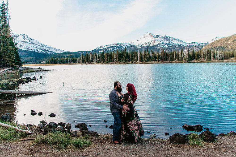 bend-oregon-elopement-wedding-photographer