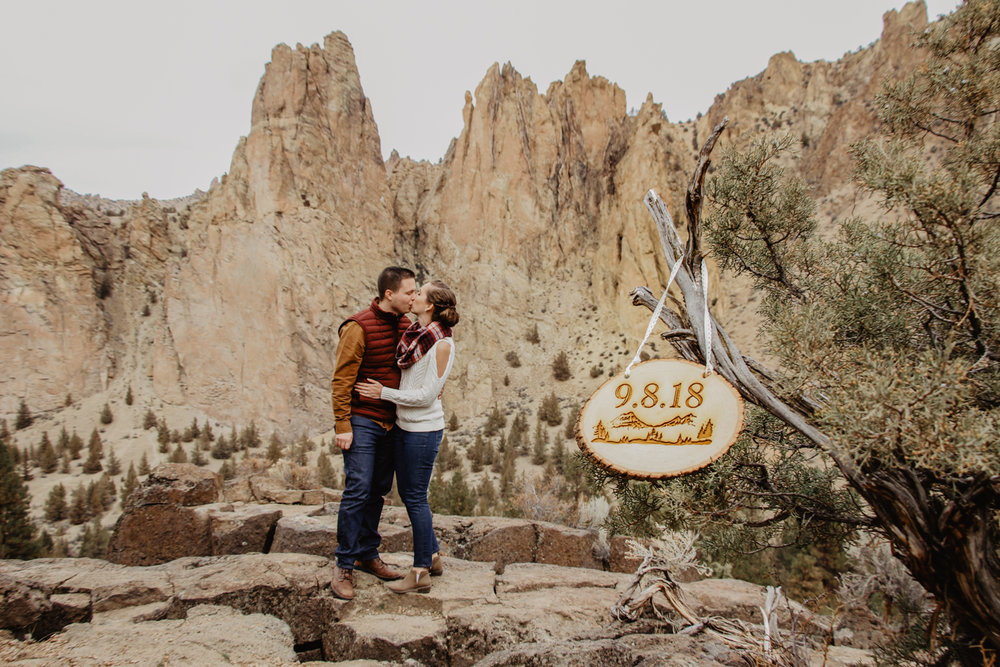 smith-rock-engagement-bend-wedding-photographer--150.jpg