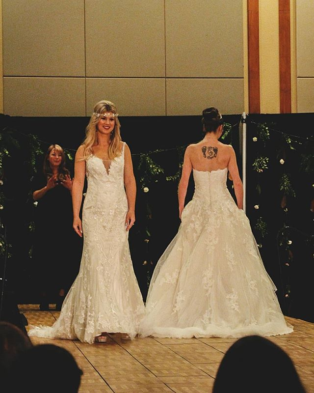 Fashion shows will forever be my favorite💃this year was so much fun! If you missed the @cascadeswedding show today check out my story for some photos, full story on my blog coming tomorrow! These are some of my favorite dresses from @cordially_invited_love_story here in Bend