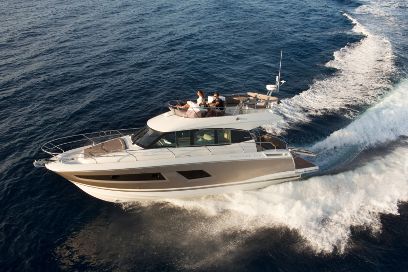 42' prestige - 20154 hrs $1,8008 hrs $3,600Week $21,600Maximum Passengers: 12Location: Newport Beach