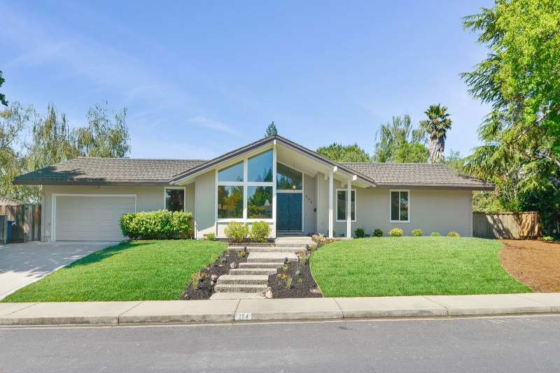264 Draeger Drive, Moraga, CA Listed: $1,525,000 Sold: $1,564,000 Represented seller