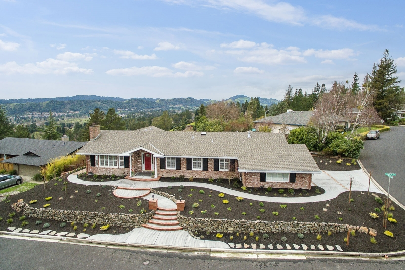 42 lambeth square, Moraga, CA Listed: $1,650,000 Sold: $1,810,000 Represented seller