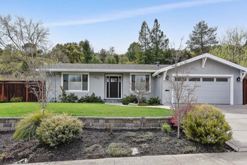 3983 paseo grande, moraga, ca  Listed: $1,195,000 sold: $1,350,000 Represented seller