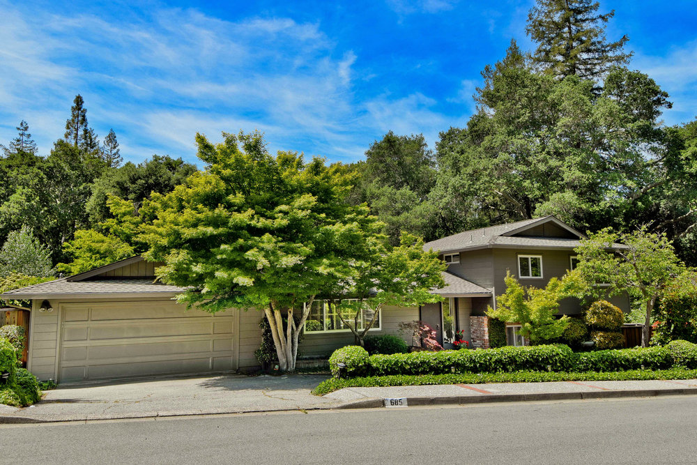 685 Glorietta Blvd, Lafayette, ca  sold: $1,200,000 represented seller