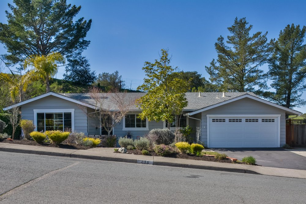 236 Calle La Montana, Moraga, ca  listed: $1,099,000 sold: $1,200,000 represented seller
