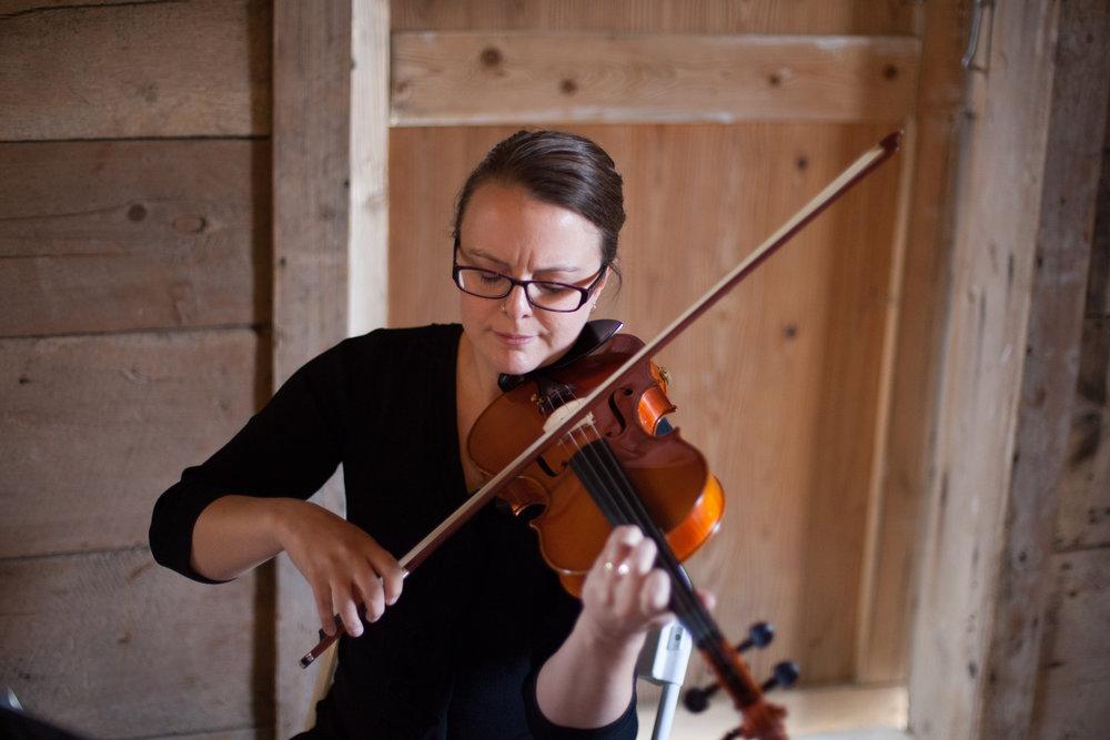 Violinist Phoebe Gelzer-Govatos as captured by Jen at Bullinger Photography