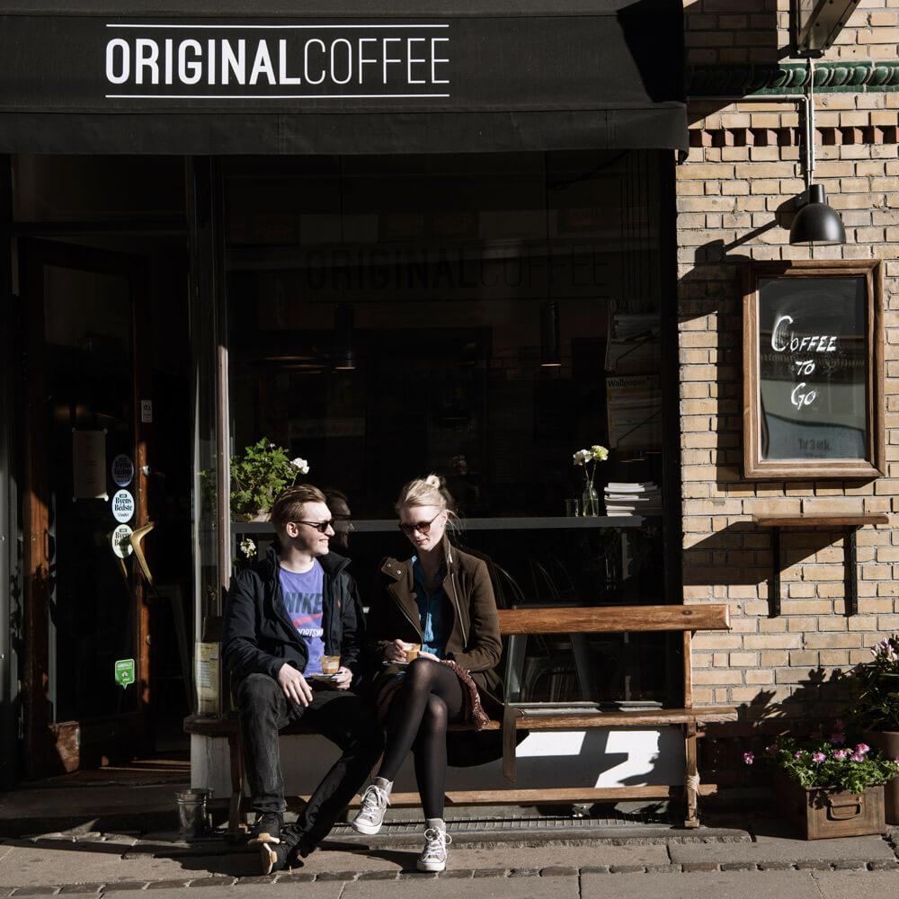 """Trianglen - """"En lille hyggelig cafe i hjertet af Østerbro med plads til alle.""""– Emilie, bestyrer i Original Coffee TrianglenHverdage:7.30-18.30Lørdag:8.30-18.00Søndag:8.30-18.00Nordre Frihavnsgade 4,2100 København Øtrianglen@originalcoffee.dk+45 52 500 520"""