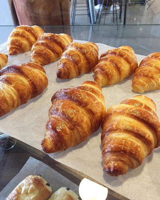 Der skal croissant til på en søndag! ☕️🥐☀️💛🌅🏙