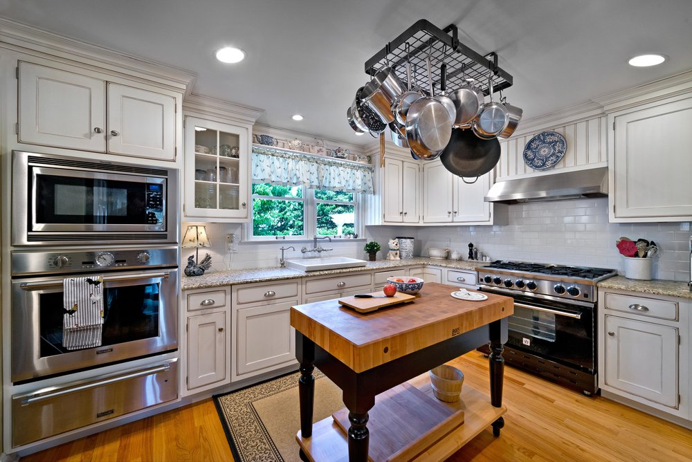 "QCCI - Quality Custom Cabinetry,Inc. - QCCI - Quality Custom Cabinetry, Inc. -a highly respected, high end manufacturer in the Lancaster County area of Pennsylvania, who produces custom all wood framed steeplechase 1"" framing and Visions frameless cabinetry made with the finest details and innovations offering a variety of wood species, finishes and door styles.http://www.qcci.com"