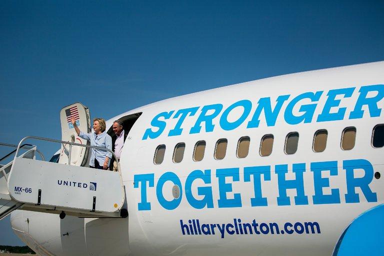 Clinton's plane.jpg