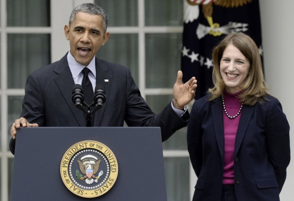 Obama cabinet and Sylvia Burwell.jpg