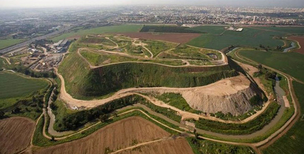 http://inhabitat.com/8-incredible-parks-created-from-landfills/hiriya-2/