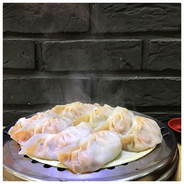 Mandu, mandu mandu mandu... best spots to cop at the link in bio [📸: @hyohyohyo_1] #hamburoculture