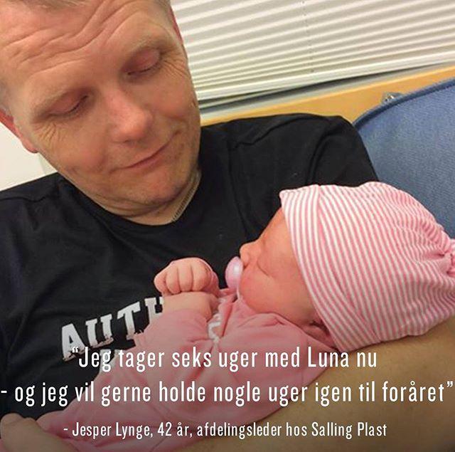 """Jesper har fortrudt, at han ikke oplevede Lottes, Lunas storesøster, 'babytid' på fuldtid. Derfor var det en nem beslutning for ham, da Luna blev født. """"Vi har også besluttet, at hvis vi får en efternøler, så tager jeg mindst et halvt år,"""" fortæller Jesper, som er 42 år og afdelingsleder på en fabrik i byen Ranum. #farsorlov #tadetsomenmand #farsel"""