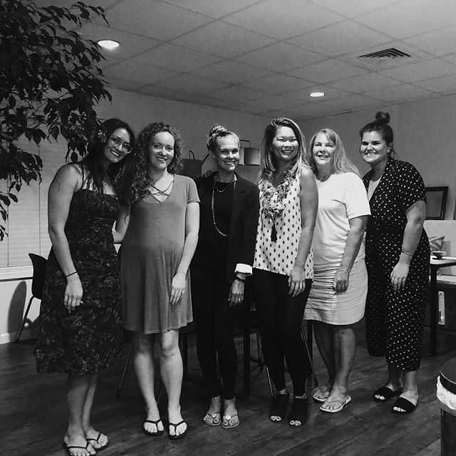 Such a lovely gathering of beautiful women at tonight's New Moon Writing Circle at @treehousecoworking ✨ Thank you to the team at Treehouse for hosting us & to @tahitihuetter for the awesome photo 💫 Missed the event tonight? Stay tuned for more writing popups to come! . . . #womenofwords #writingcircle #newmoon #moonritual #popup #coworkingspace #kailua #hawaii #womenwriters