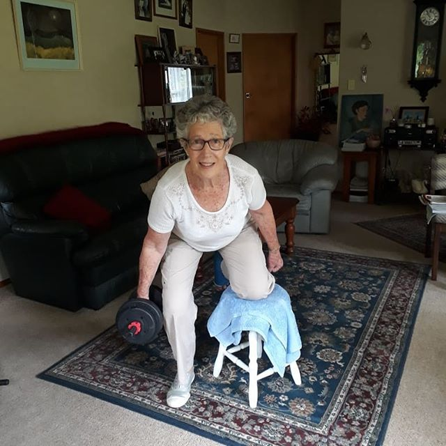 A broken ankle doesn't mean its time to sit and do nothing for 6 weeks.  After 2 weeks rest, we are back into training.  Marilyn is coping having one leg with ease.....WHY.... because that is how we have trained for the past year.  She has the confidence because she has the strength and balance to cope.  1 legged squats, jumping about and getting up and down off the ground.  Functional movement is so important to everyday life.  #functionaltraining #functionalmovement #seniors #strength #personaltrainingwanaka @amberschuecker