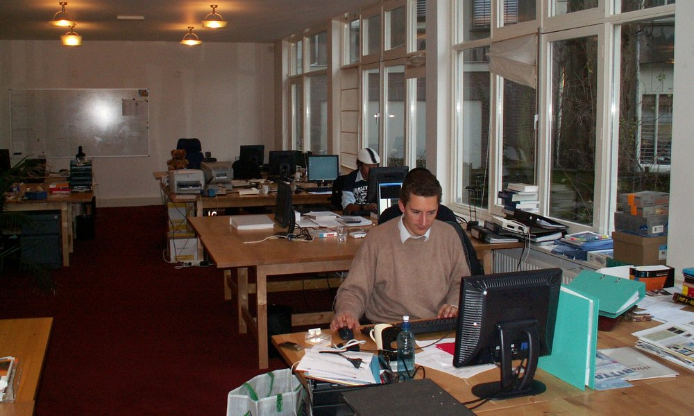 Home Automation Europe is founded and acquires its first office (2004)