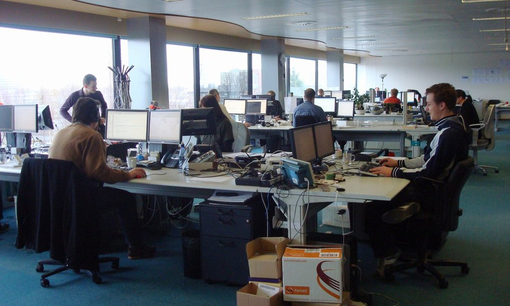 Home Automation Europe moves into a new office (2005)