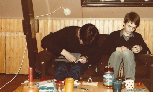 Quby co-founder Joris Jonker tinkering with electronics (1982)