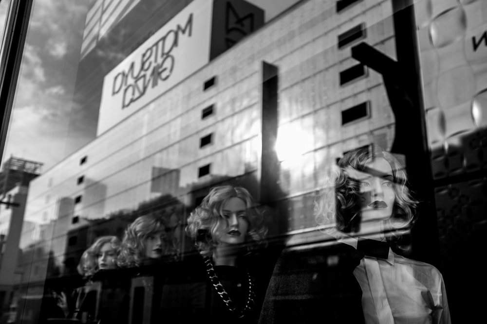 Fujifilm X100S - 1/1000 - f/2.8 - iso200 In the Ginza district all the big high end fashion brands are present. There's something artificial about it but it's clear that a lot of Japanese are attracted to these luxury brands.