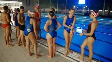 Nieuwsblad - Zwemmen voor goede doelhttp://www.nieuwsblad.be/cnt/dmf20141012_01317371