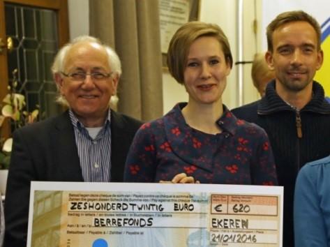GVA - Handelaars schenken cheque aan Berrefonds