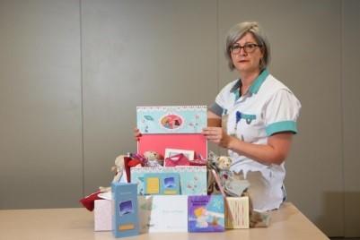 HBVL - Herinneringsdoos met spulletjes van overleden kindje