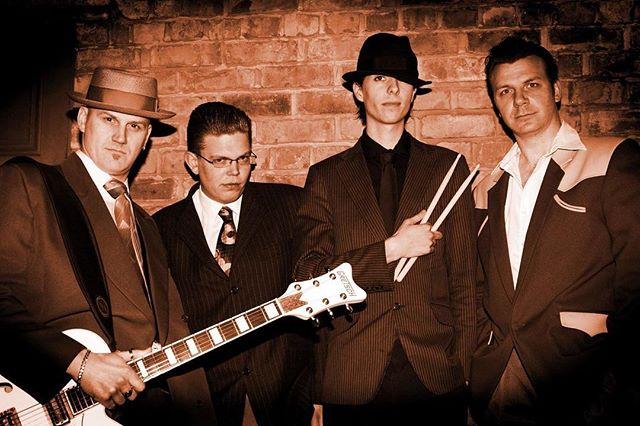 Saturday is looking great at the tavern, live music from the revolutionaires starts at 8pm.