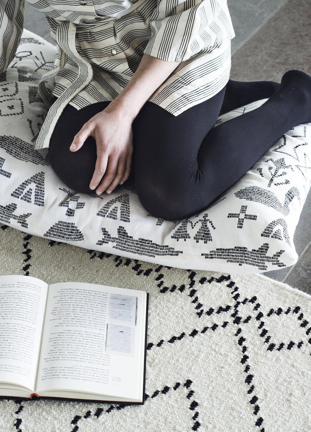 Koko-iäksi-carpet-Saana-ja-Olli-for-Mums-6-Photo-Suvi-Kesäläinen-hi-res.jpg