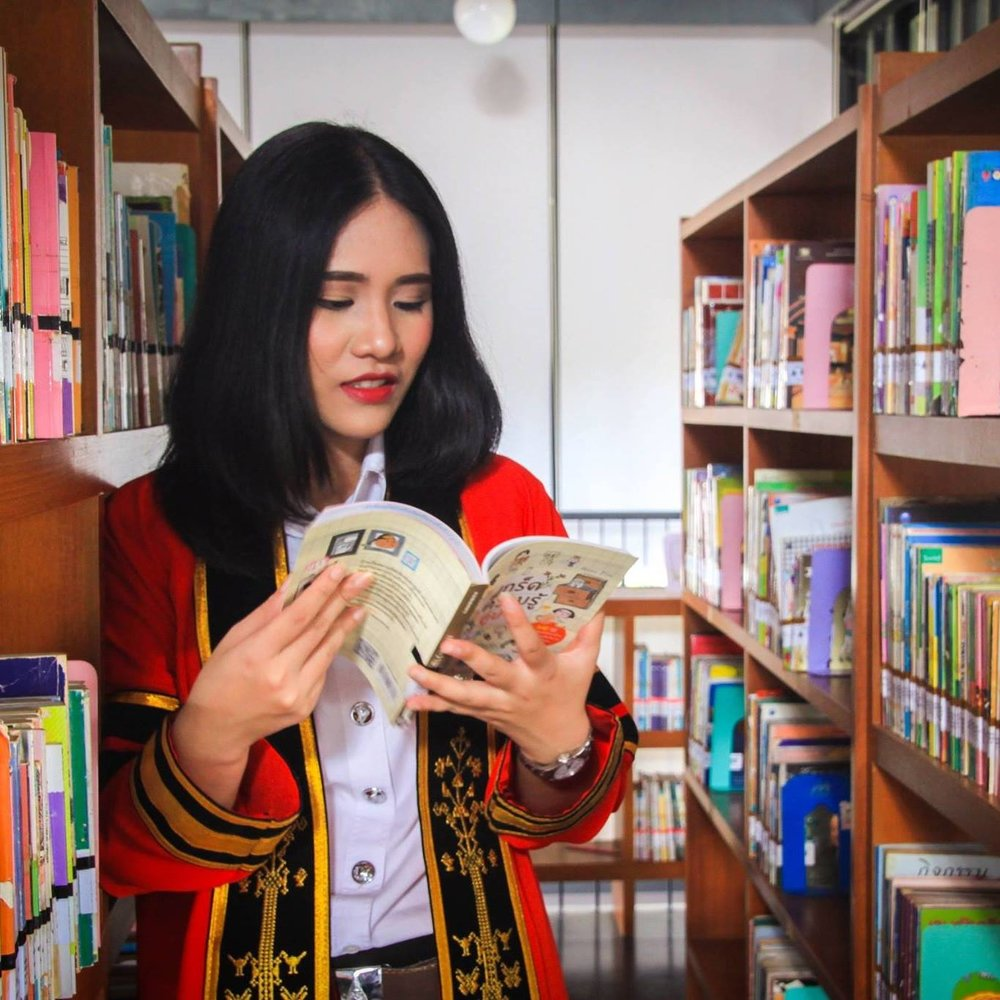 "Bestsu Pichsinee   School/University: Mae Fh Luang University  Subject: BA Business Chinese   ""I really appreciate that Char's Fund gave lots of help for me. You made my life better than before. Hope Charlotte can feel my gratitude.""    **GRADUATED!!**"