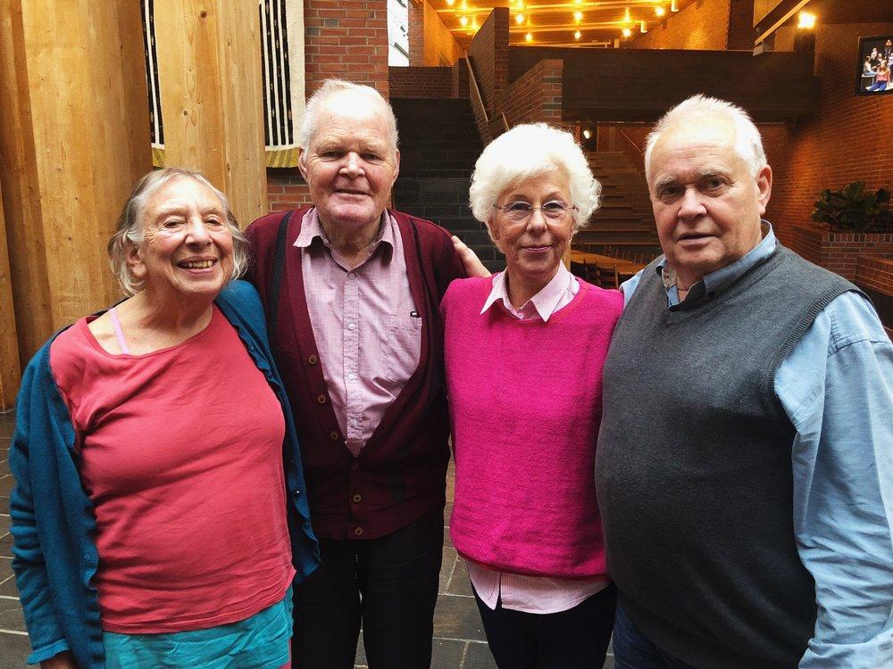 Sarah Thingnes (81), Kolbjørn Bergset (81), Kjersti Marie Imerslund (76) og Tollef Årdal (76) er blant dei totalt 14 seniordansarane på «Eg er i går». Foto: Charlotte Ottesen