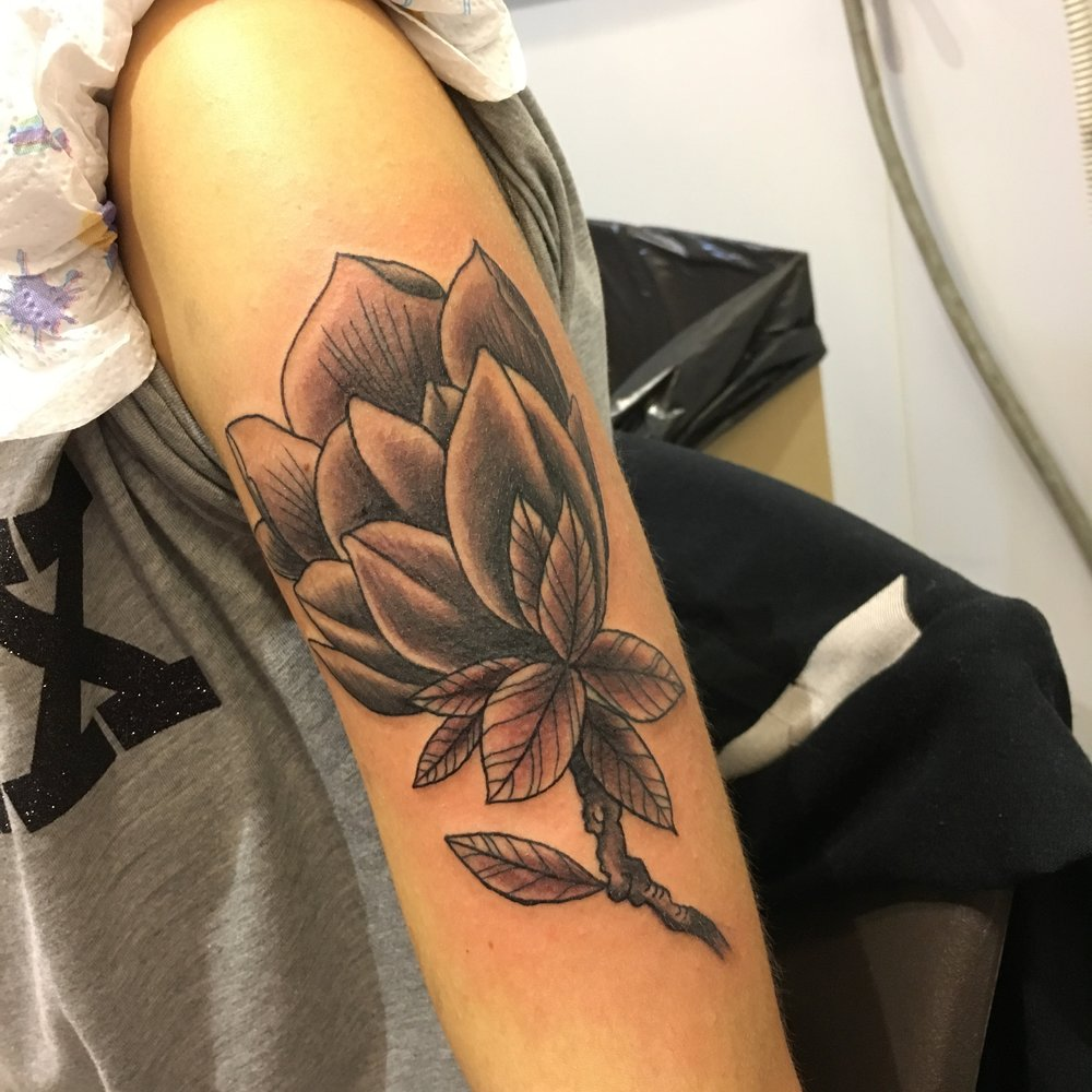 Florence tattoo convention 2017 kings ship a great black and grey shaded lotus flower izmirmasajfo Choice Image