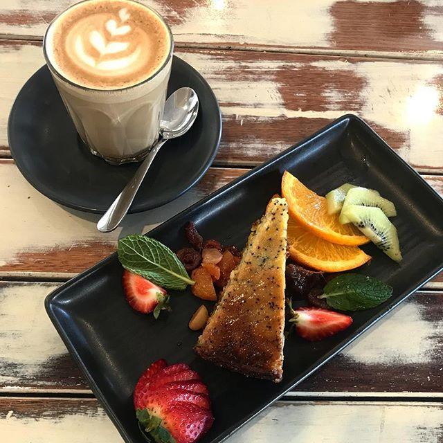 Coffee and cake anyone? 🌞☕️ #coffeeandcake #portdouglas #cafe #choochoos #marina #latteart #coffee #goodmorning #coffeetime