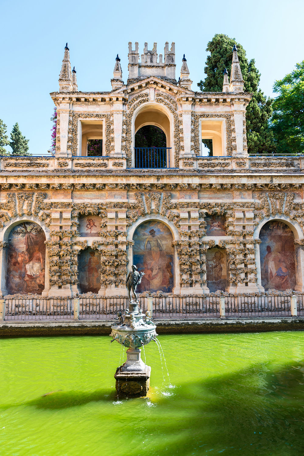 Gardens and fountain in the Alcazar of Seville