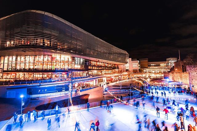 ❄️Its beginning to look a lot like Christmas! Come and join us for a festive week on the ice at @westquay ❄️ #westquayshoppingcentre #southampton #westquay #iceskate #ice #icerink #christmas #winter #photography #alpine #alpinebar #steins #hotchocolates #instagood #picoftheday #soton #southamptonbloggers #igdaily