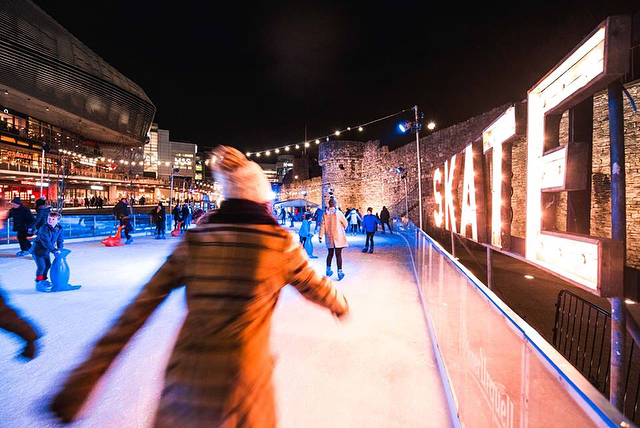 ❄️Need a plan for NYE!? Get your skates on before joining us in Moguls for super stein sized celebrations!🍺 . . .  #westquayshoppingcentre #southampton #westquay #iceskate #ice #icerink #christmas #winter #photography #alpine #alpinebar #steins #hotchocolates #instagood #picoftheday #soton #southamptonbloggers #igdaily