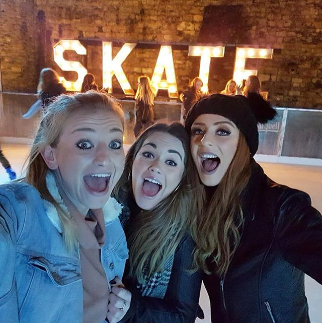 ⛸ Before we enjoy the last few hours of @skate_southampton until next season, we just wanted to say a heartfelt thank you to everyone who joined us for the festive season! We hope you enjoyed your visit and rest assured we're already busy planning our return for Christmas 2018! ❄️ . . .  #westquayshoppingcentre #southampton #westquay #iceskate #ice #icerink #christmas #winter #photography #alpine #alpinebar #steins #hotchocolates #instagood #picoftheday #soton #southamptonbloggers #igdaily #igdaily #picoftheday #christmas #festive