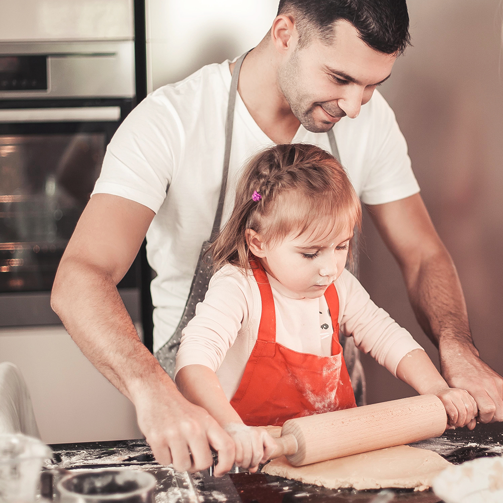 bigstock-Young-Dad-And-His-Little-Daugh-272465719.jpg