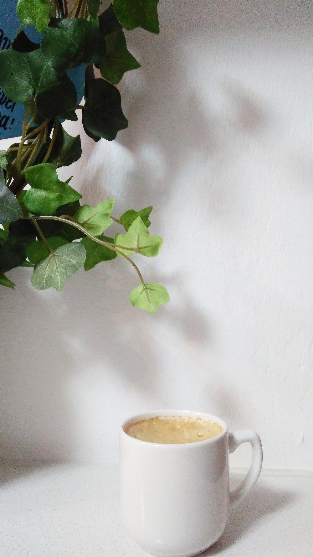 IDEABAR STUDIO - MINIMAL WHITE COFFEE
