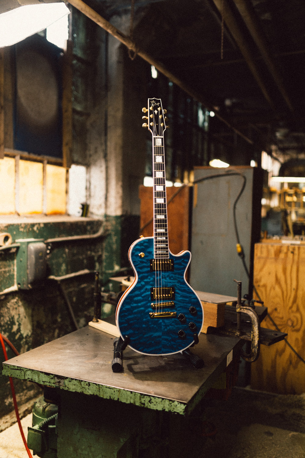 Heritage H-157 in Translucent Blue.